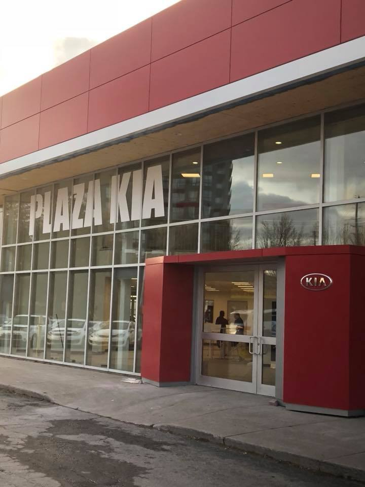 Plaza Kia at 9144 Yonge Street